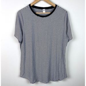Old Navy Luxe Striped T-Shirt Size Large